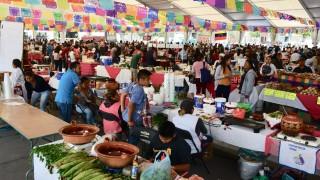 """Apoya GCDMX a productores rurales con """"Feria Consume Local"""" en el Zócalo"""